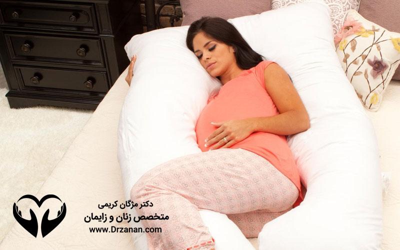 نقش دکتر متخصص زنان و زایمان در دو ماه اول حاملگی